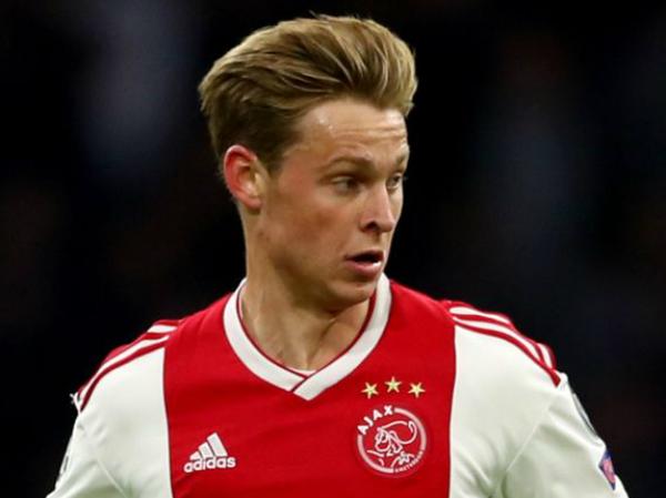 Tiền vệ Dejong là thương vụ siêu lời của Ajax Amsterdam